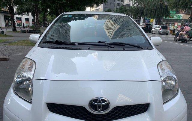 Cần bán xe Toyota Yaris đời 2010, màu trắng, xe nhập, 328tr1
