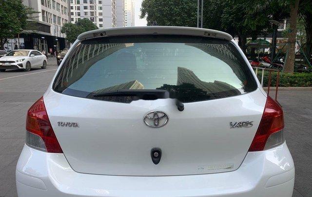 Cần bán xe Toyota Yaris đời 2010, màu trắng, xe nhập, 328tr7