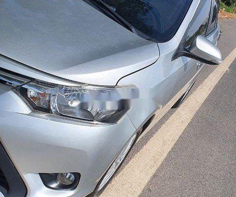 Cần bán lại xe Toyota Vios đời 2015, màu bạc, giá chỉ 350 triệu1