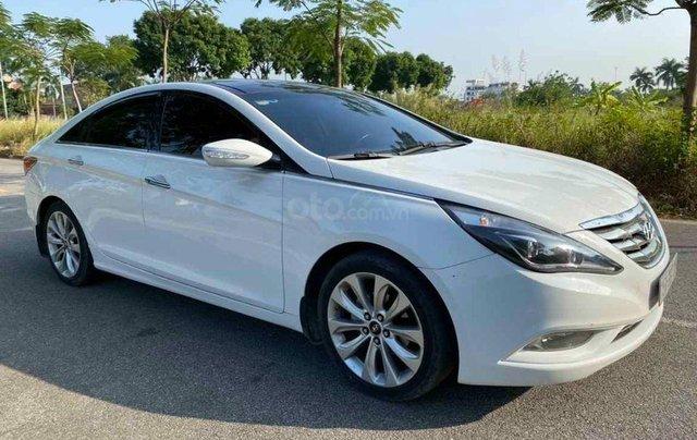 Bán gấp với giá ưu đãi nhất chiếc Hyundai Sonata sản xuất 2010 xe còn mới2