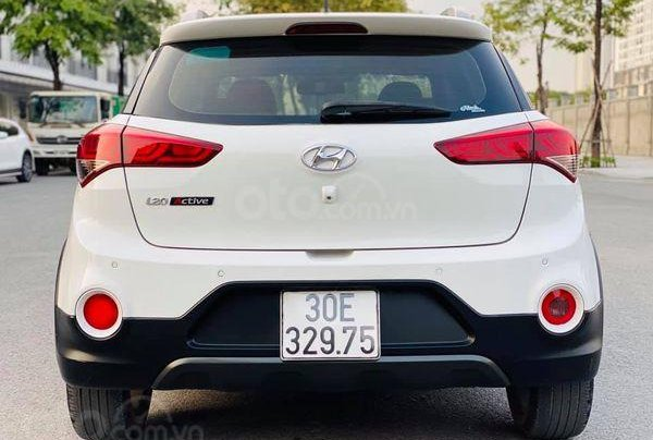 Bán Hyundai i20 Active 2015, màu trắng2