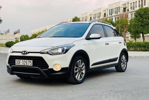 Bán Hyundai i20 Active 2015, màu trắng4