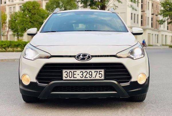 Bán Hyundai i20 Active 2015, màu trắng0