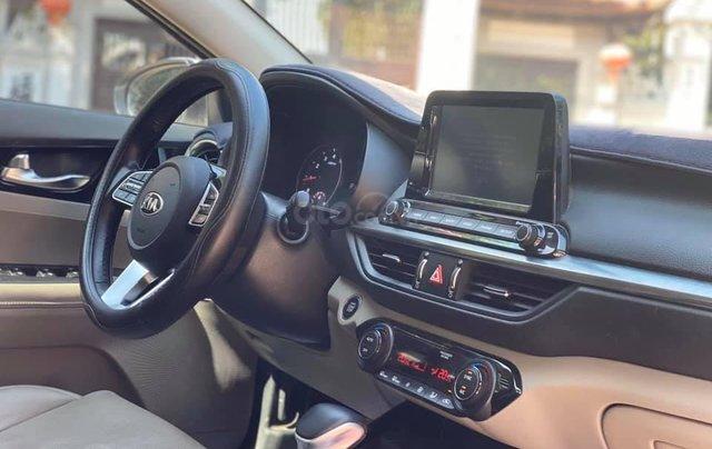 Cần bán gấp chiếc Kia Cerato 1.6AT Luxury sản xuất 20195