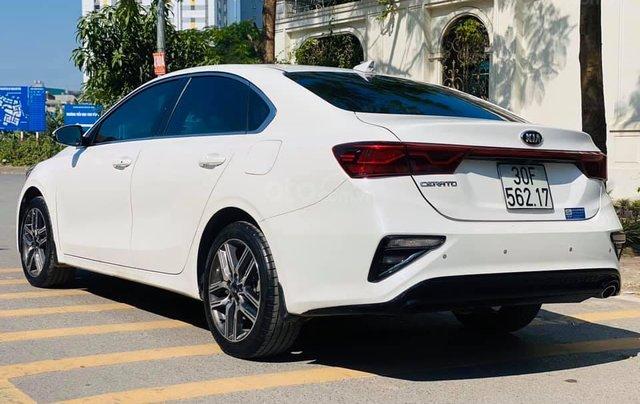 Cần bán gấp chiếc Kia Cerato 1.6AT Luxury sản xuất 20194