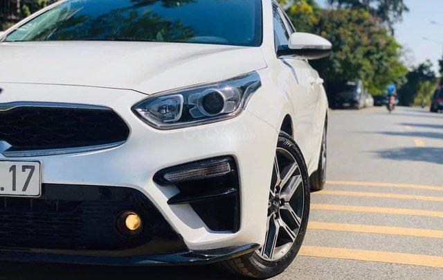 Cần bán gấp chiếc Kia Cerato 1.6AT Luxury sản xuất 20193