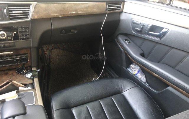 Cần bán Mercedes-Benz E 300 2010, mới chạy 70.000km, biển Hà Nội, giá 680tr5