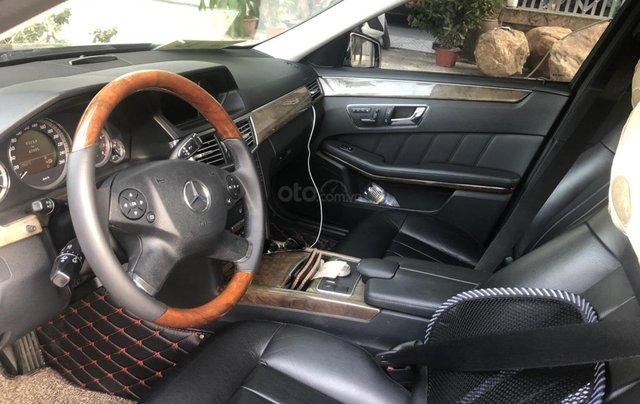 Cần bán Mercedes-Benz E 300 2010, mới chạy 70.000km, biển Hà Nội, giá 680tr4
