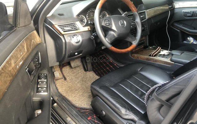 Cần bán Mercedes-Benz E 300 2010, mới chạy 70.000km, biển Hà Nội, giá 680tr9