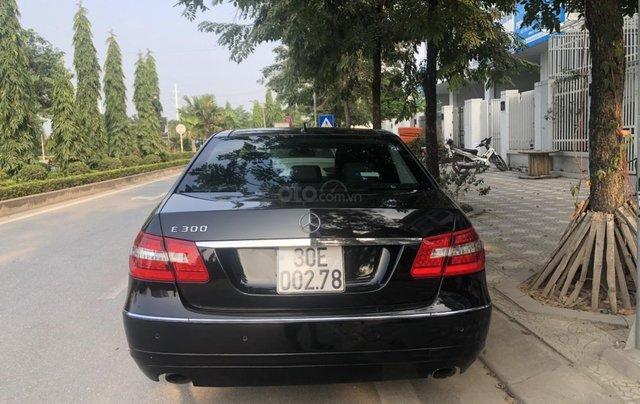 Cần bán Mercedes-Benz E 300 2010, mới chạy 70.000km, biển Hà Nội, giá 680tr2
