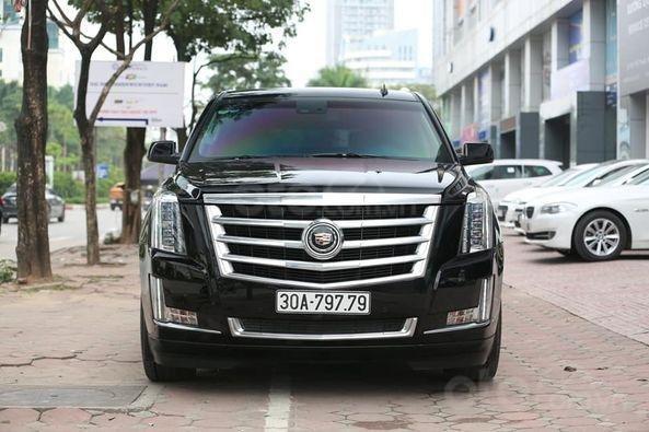 Bán xe Cadillac Escalade Premium model 2015, màu đen0