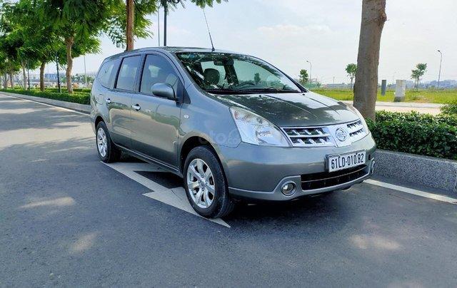 Cần bán lại xe gia đình Nissan Grand Livina 2011, giá chỉ 295 triệu0