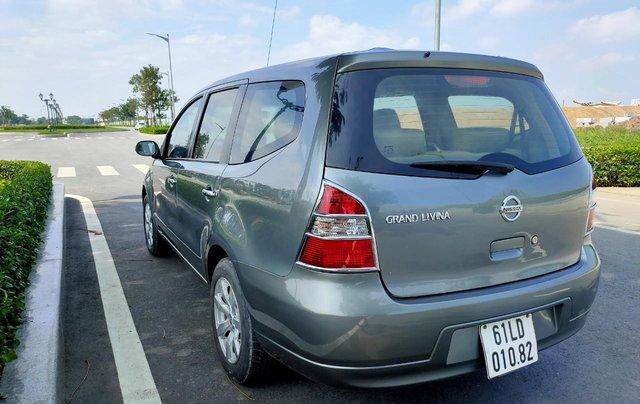 Cần bán lại xe gia đình Nissan Grand Livina 2011, giá chỉ 295 triệu3