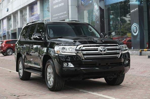 Bán Toyota Land Cruiser VX 4.6 sản xuất 2016, màu đen3