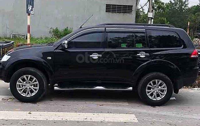 Cần bán lại xe Mitsubishi Pajero đời 2017, màu đen số sàn0