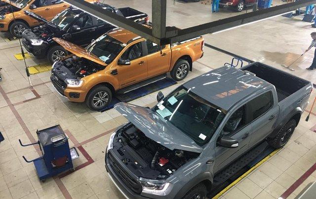 Ford Ranger xả hàng cuối năm - trả trước 120tr0