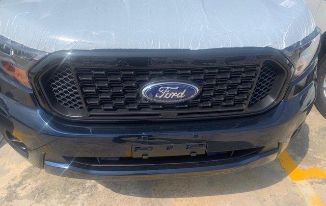 Ford Ranger xả hàng cuối năm - trả trước 120tr2