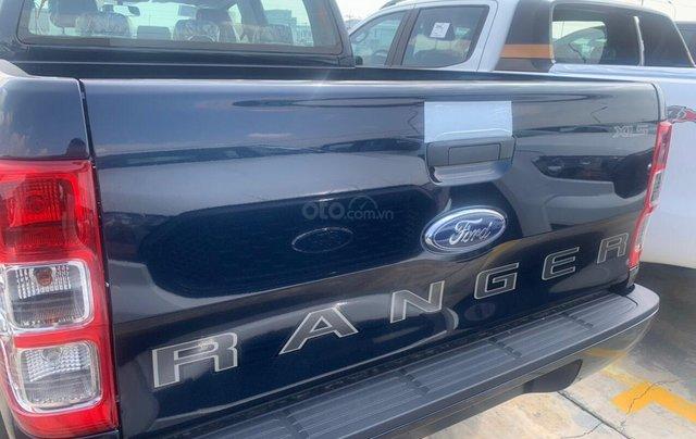 Ford Ranger xả hàng cuối năm - trả trước 120tr1