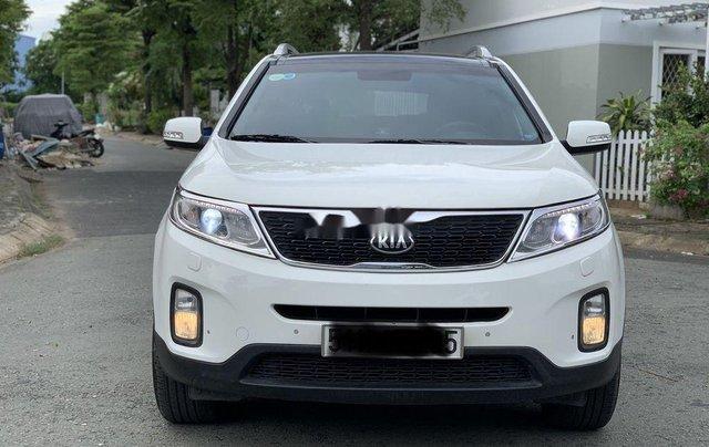 Cần bán xe Kia Sorento đời 2016, màu trắng0