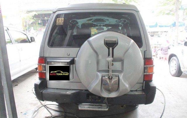 Cần bán xe Mitsubishi Pajero năm 2004, màu bạc, nhập khẩu, giá chỉ 180 triệu2
