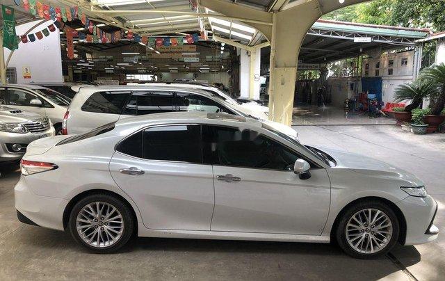 Cần bán Toyota Camry năm 2019, nhập khẩu nguyên chiếc còn mới3