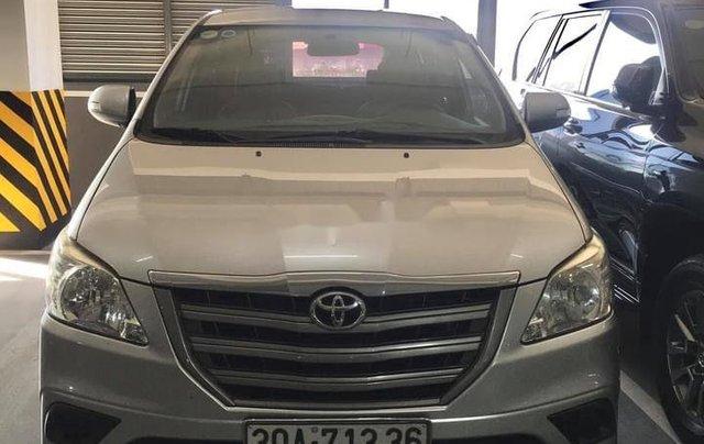 Bán ô tô Toyota Innova năm 2015 còn mới, giá tốt0