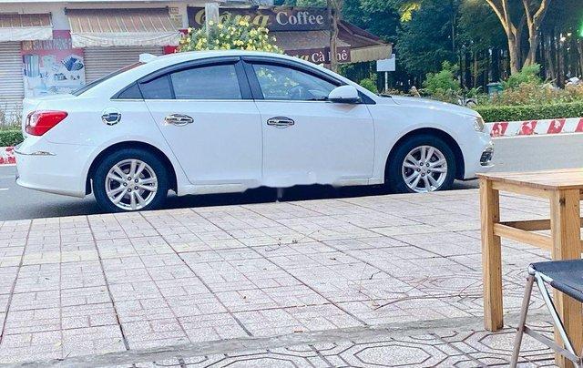 Cần bán xe Chevrolet Cruze năm 2017 còn mới, 350tr1