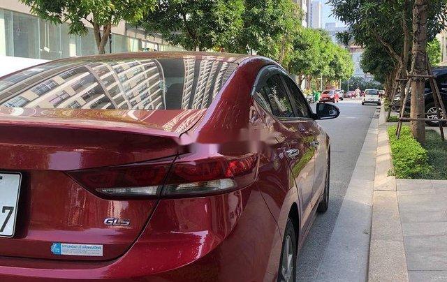 Cần bán xe Hyundai Elantra năm sản xuất 2016, màu đỏ, 520tr2