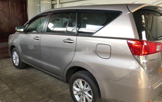 Cần bán lại xe Toyota Innova năm sản xuất 2017, 575tr1