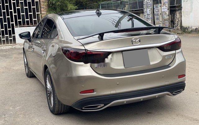 Bán ô tô Mazda 6 sản xuất năm 2017, màu vàng xe gia đình2