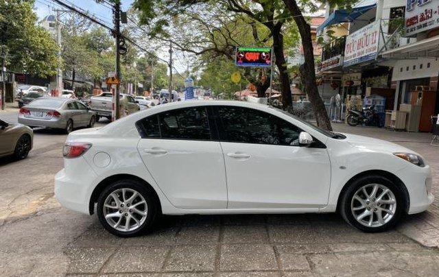 Bán Mazda 3 năm 2013, màu trắng còn mới1
