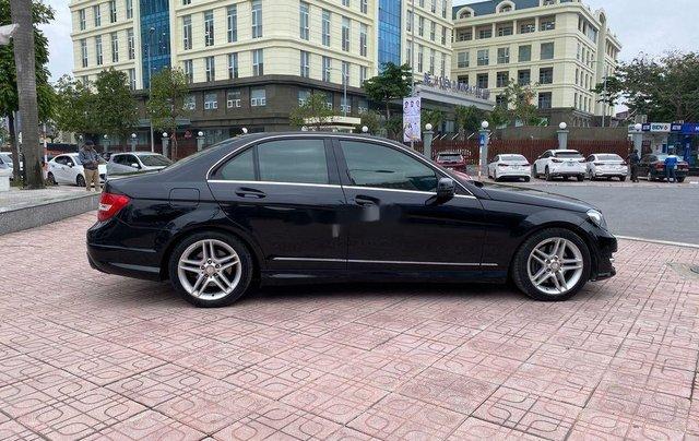Cần bán lại xe Mercedes C300 AMG năm sản xuất 2011, màu đen2