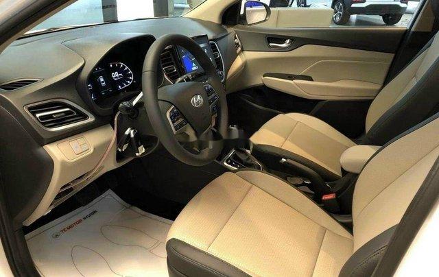Cần bán Hyundai Accent sản xuất 2020, màu trắng, nhập khẩu5