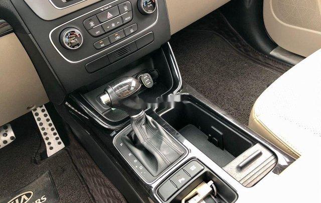 Cần bán xe Kia Sorento sản xuất 2018 còn mới, giá chỉ 798 triệu10