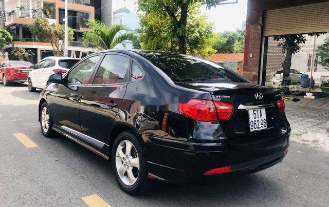 Cần bán Hyundai Avante năm sản xuất 2014, màu đen3