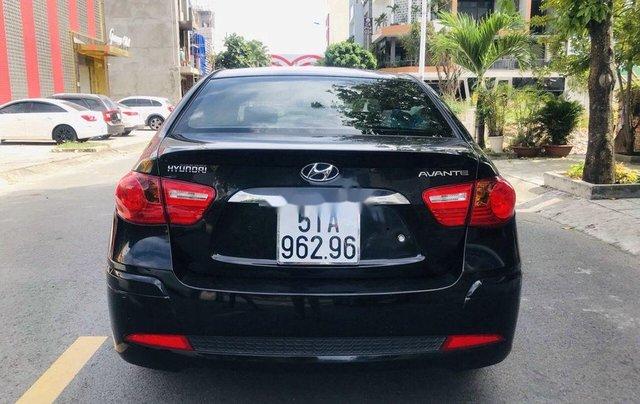 Cần bán Hyundai Avante năm sản xuất 2014, màu đen4