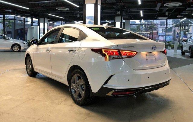 Bán xe Hyundai Accent năm 2020, màu trắng, 515tr4