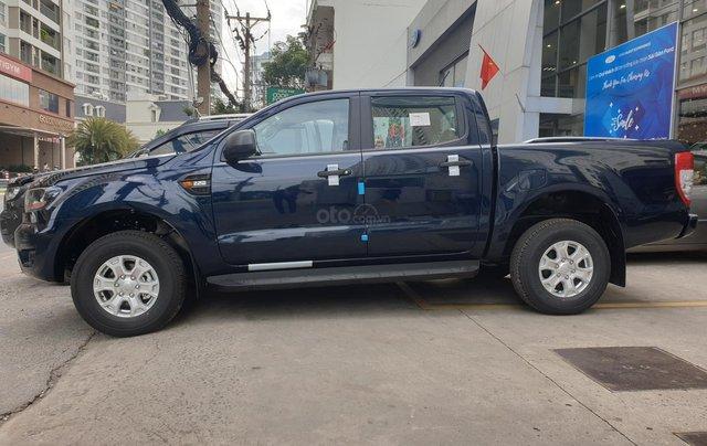 Ford Ranger XLS số tự động model 2021 khuyến mãi tiền mặt, tặng quà hấp dẫn4