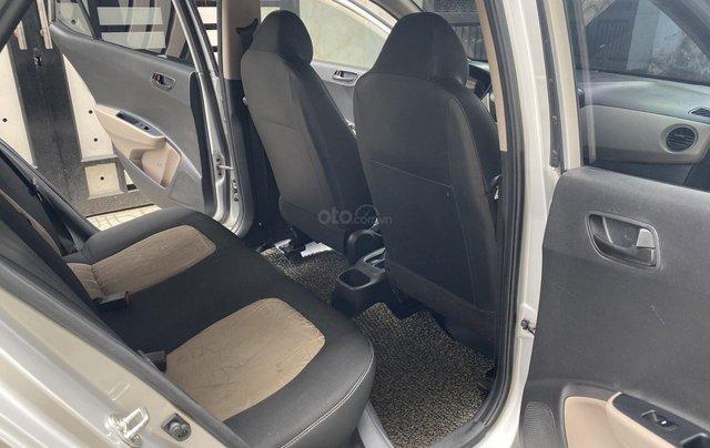 Mình cần bán Hyundai I10 2016, số sàn màu bạc nhập Ấn8