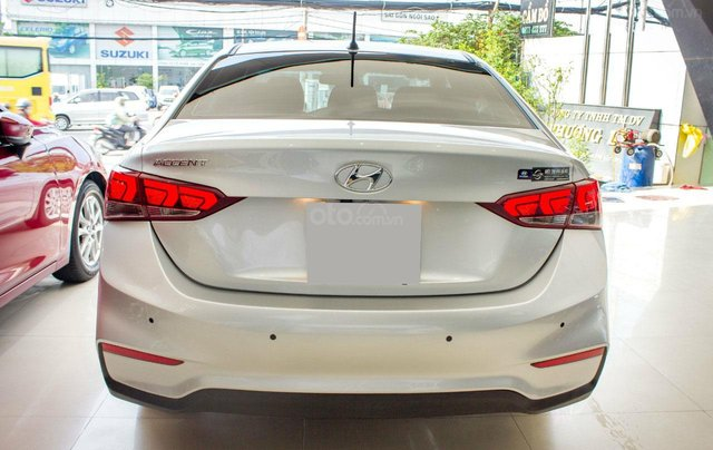 Bán xe Hyundai Accent AT sản xuất 20185