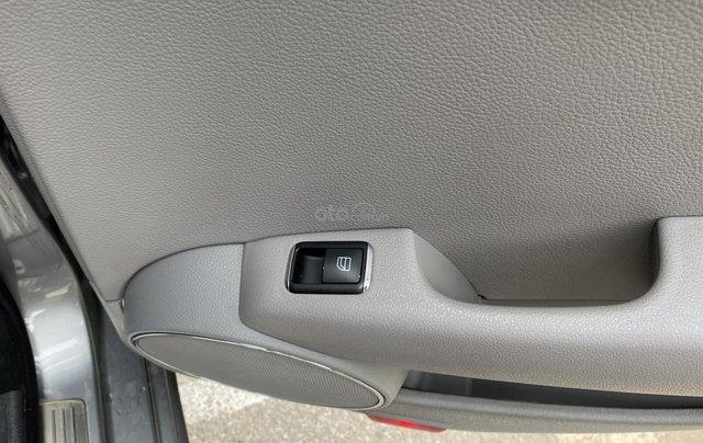 Bán xe Mercedes C200 Elegance, màu ghi xám10