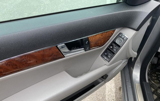 Bán xe Mercedes C200 Elegance, màu ghi xám11