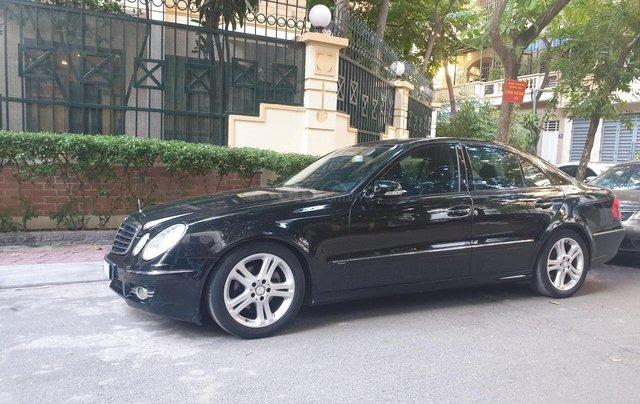 Em bán xe Mercedes E200 SX và ĐK 2008, màu đen2