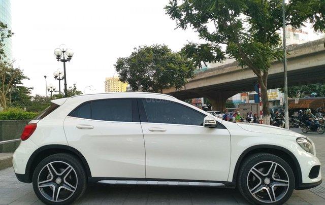 Mercedes-Benz GLA 250 4Matic năm 2016, màu trắng, xe nhập3