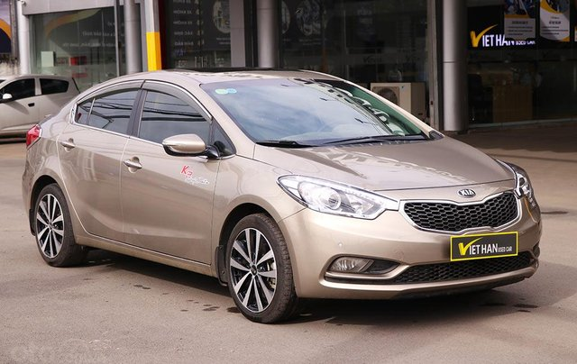 Cần bán xe Kia K3 2.0AT sx 20150