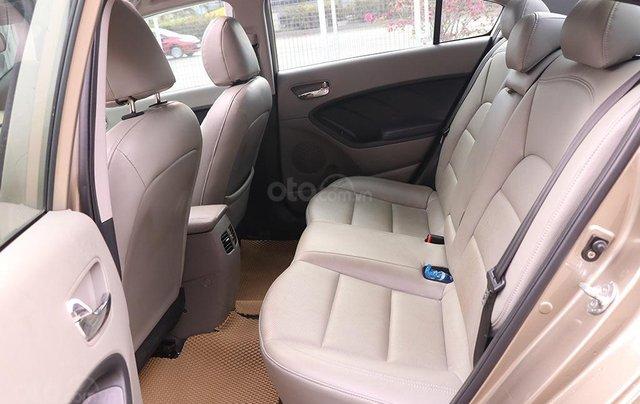 Cần bán xe Kia K3 2.0AT sx 20158