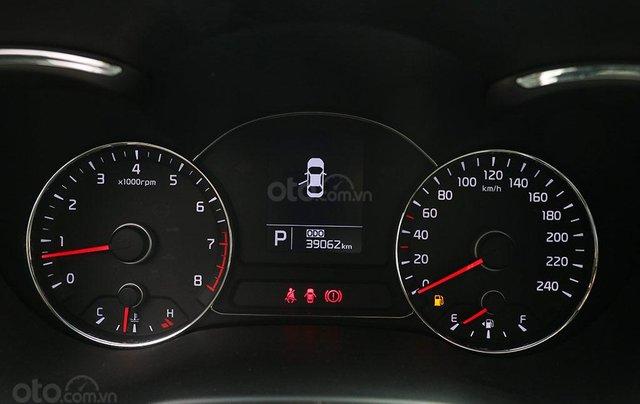 Cần bán xe Kia K3 2.0AT sx 201510