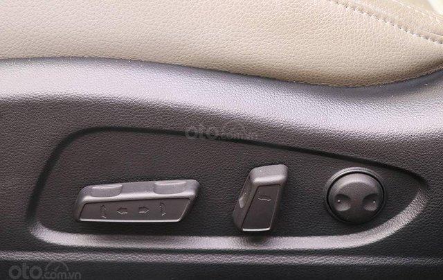 Cần bán xe Kia K3 2.0AT sx 201511