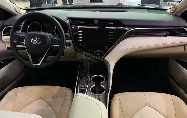 Bán Toyota Camry 2.5Q sản xuất 2020, màu đen, xe nhập1