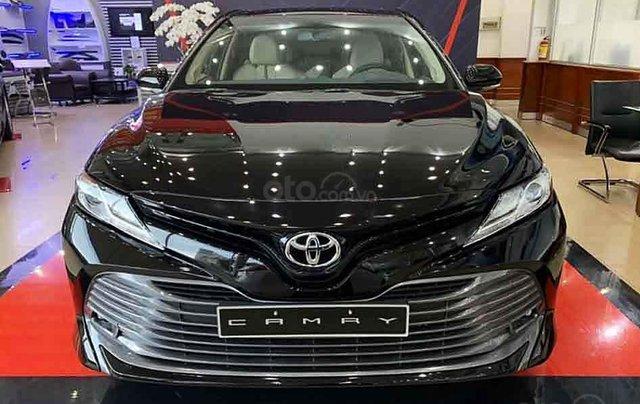 Bán Toyota Camry 2.5Q sản xuất 2020, màu đen, xe nhập3